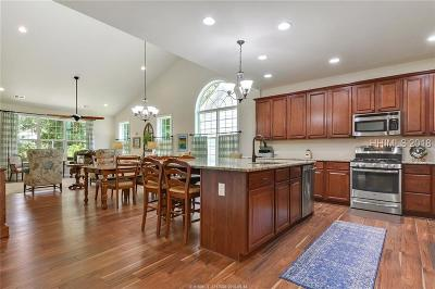 Single Family Home For Sale: 53 Independence Place