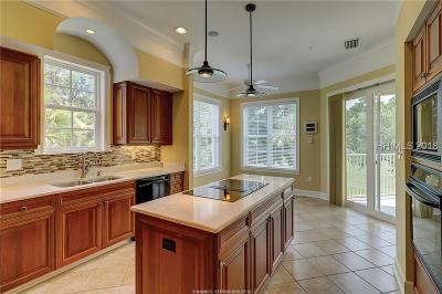 Beaufort County Condo/Townhouse For Sale: 215 Berwick Drive #215