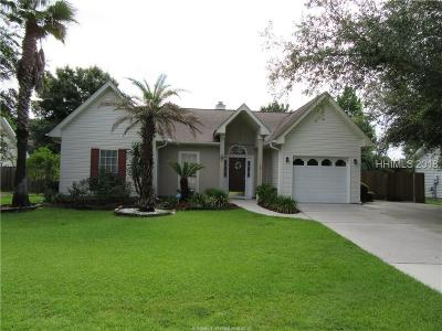 Bluffton Single Family Home For Sale: 17 Ashepoo Drive