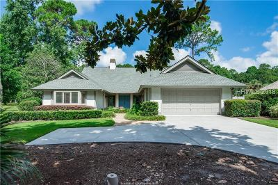 Beaufort County Single Family Home For Sale: 17 Oyster Bay Place