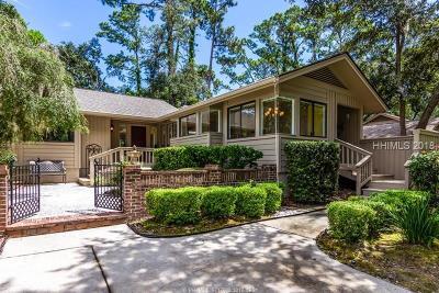 Hilton Head Island Single Family Home For Sale: 32 Oak Court