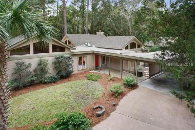 Beaufort County Single Family Home For Sale: 16 Deer Run Lane