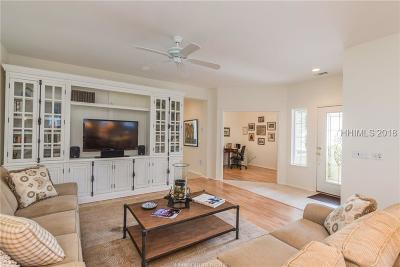 Bluffton Single Family Home For Sale: 69 Hampton Circle
