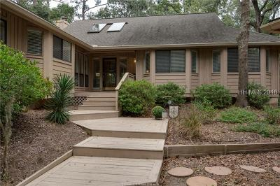 Hilton Head Island Single Family Home For Sale: 14 Club Course Dr