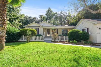 Bluffton Single Family Home For Sale: 8 Chipwood Ln