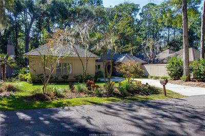 Single Family Home For Sale: 8 Crooked Pond Drive
