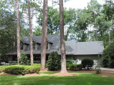 Single Family Home For Sale: 48 Crooked Pond Drive