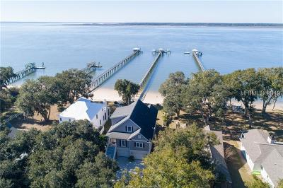 Beaufort County Single Family Home For Sale: 85 Fort Fremont Road