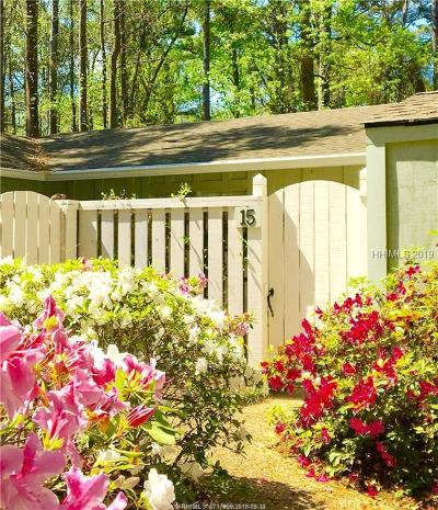 Beaufort County Single Family Home For Sale: 15 Broomsedge Court