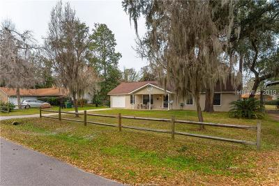 Beaufort County Single Family Home For Sale: 12 Capwing Drive