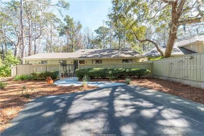 Beaufort County Single Family Home For Sale: 26 Hollyberry Ln