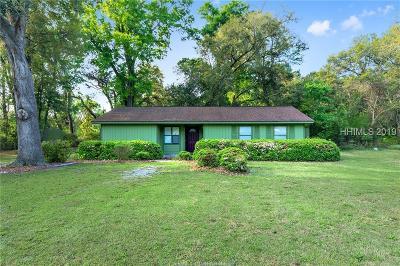 Saint Helena Island Single Family Home For Sale: 213 Sam Doyle Drive