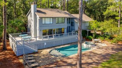 Hilton Head Island Single Family Home For Sale: 18 Wren Drive