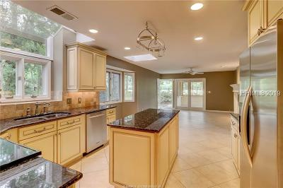 Hilton Head Island Single Family Home For Sale: 5 Deerfield Court