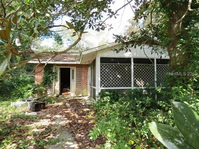 Single Family Home Sold: 87 Sanders Court