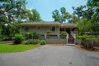 Beaufort County Single Family Home For Sale: 10 Hunt Club Court
