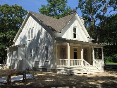Beaufort County Single Family Home For Sale: 12 Buttonwood Lane