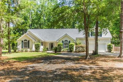 Beaufort County Single Family Home For Sale: 60 Francis Marion Circle