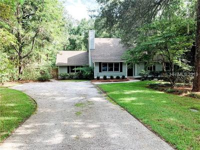 Beaufort County Single Family Home For Sale: 76 River Oaks Circle