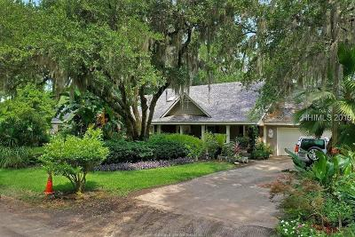 Hilton Head Island Single Family Home For Sale: 24 Bluebell Lane