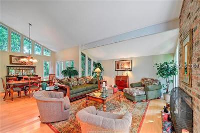Hilton Head Island Single Family Home For Sale: 11 Red Oak Road