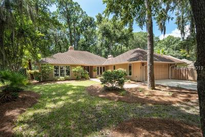 Beaufort County Single Family Home For Sale: 10 Crooked Pond Drive
