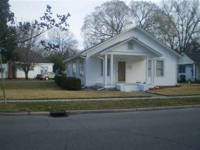 Marion Single Family Home Active-Price Change: 401 Dunlop St.