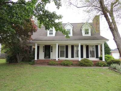 Single Family Home Sold: 915 Wrenwood Rd.