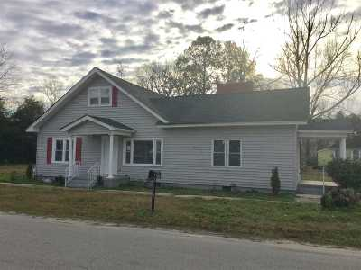 Darlington Single Family Home Uc/Show For Back Up: 304 D Ave