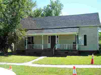 Latta Single Family Home For Sale: 219 E Bamberg