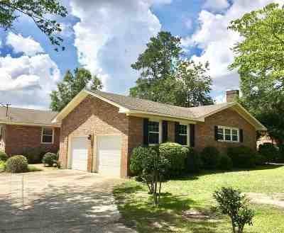 Single Family Home For Sale: 3912 W Lake Drive