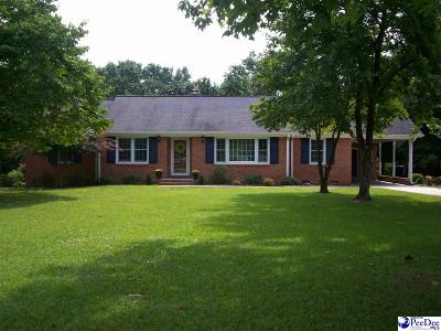 Bennettsville, Blenheim, Cilo, Clio, Mccoll, Tatum, Wallace Single Family Home Uc/Show For Back Up: 600 Jefferson Street