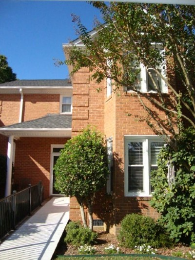 Spartanburg Single Family Home For Sale: 106 Country Club Court