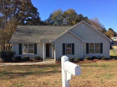 Spartanburg Single Family Home Contingent Upon Financing: 208 Deer Run Ct.