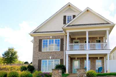 Taylors Single Family Home For Sale: 902 Blue Moon Street