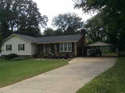 Greer Single Family Home For Sale: 200 Barry Dr