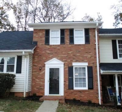 Spartanburg Single Family Home For Sale: 30 Somersett Drive