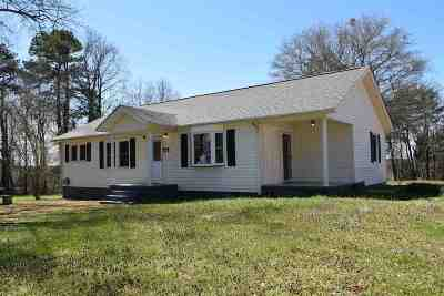 Chesnee Single Family Home For Sale: 705 Buck Creek Road
