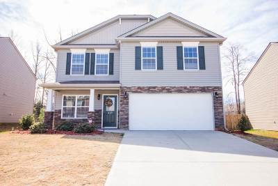 Moore Single Family Home For Sale: 415 Victory Lane