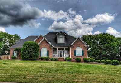 Moore Single Family Home For Sale: 423 Grazing Ridge Ln