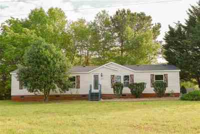 Mobile Home For Sale: 107 Dennis Hills Drive