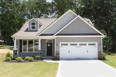 Lyman Single Family Home For Sale: 104 Somerset Drive