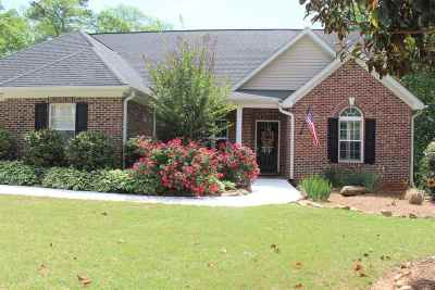 Moore Single Family Home For Sale: 529 Scenic Oak Dr