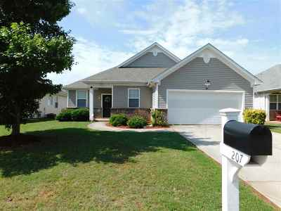 Roebuck Single Family Home For Sale: 207 Reedy River Court