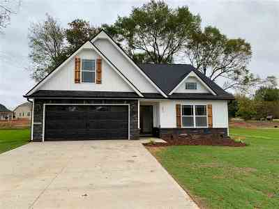 Inman Single Family Home For Sale: 321 Broken Chimney Dr