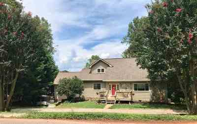 Greer Single Family Home For Sale: 30 Country Club Drive