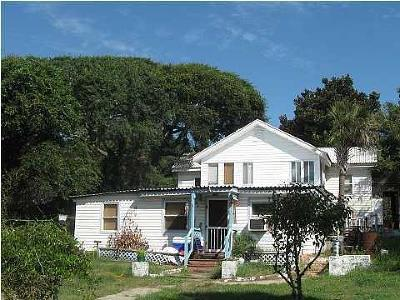 Folly Beach Attached For Sale: 610 E Ashley Avenue