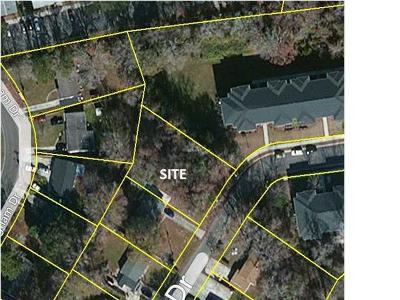 Residential Lots & Land Contingent: Little John Drive