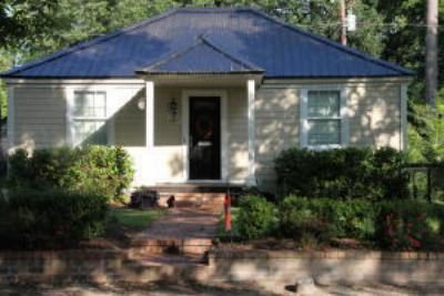 Single Family Home Sold: 4807 Churchill Road