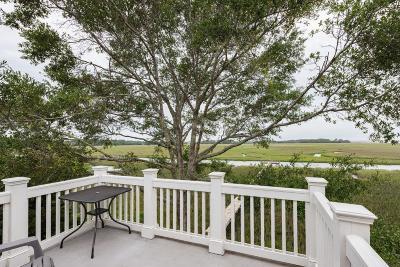 Seabrook Island Attached Contingent: 1737 Live Oak Park